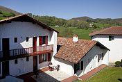 """SARE - Pension Complète au Village """"Le Pays Basque"""""""