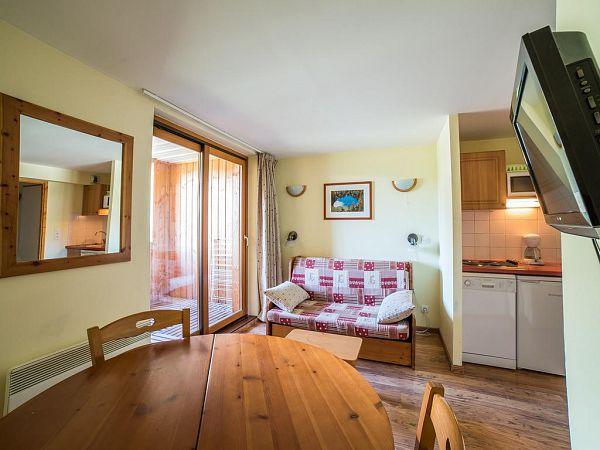 location ski termignon avec piscine et sauna. Black Bedroom Furniture Sets. Home Design Ideas